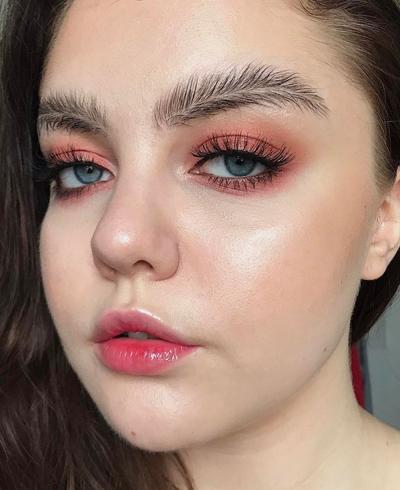 Inovatif hingga Kontroversial, 8 Beauty Trends yang Harus Segera Dihapus di Tahun 2018!