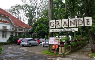 Grande Fashion Gallery