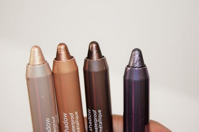 Tips Mudah Menggunakan Stick Eyeshadow Langsung dari Make Up Artist!