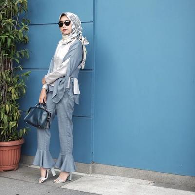 Hijab Motif, Ruffle Pants, and Sandals Heels