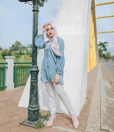 Ladies, Ini Dia Tips Dalam Memilih Bahan Hijab yang Tepat dan Nyaman untuk Kamu!