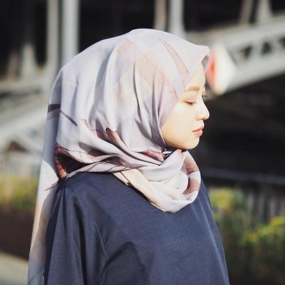 Cantik dan Simpel, Tutorial Hijab Lilit Belakang Ini Wajib Kamu Coba!