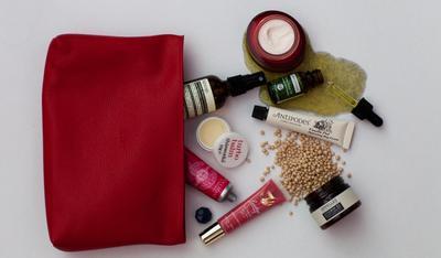 #FORUM Produk Make up Apa yang Wajib dibawa Saat Travelling?