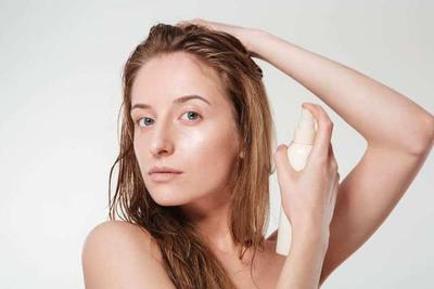 Lelah dengan Rambut Bercabang? Inilah Tips Mengatasi Rambut Bercabang yang Wajib Kamu Terapkan, Ladies!