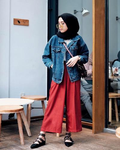 Bosan dengan Jeans? Lihat Inspirasi Padu Padan Celana Kulot Hijab untuk Ke Kampus Ini! | Muslim ...