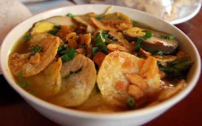 https://media.foody.id/res/g2/10307/prof/s/foody-mobile-soto_bu_tjondro1-jpg-305-635863972405249996.jpg