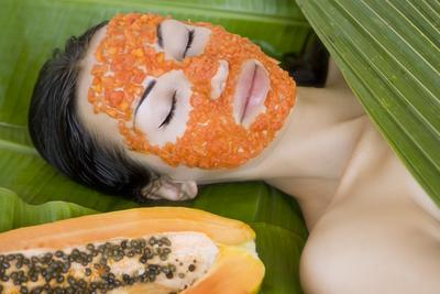 http://naturalbeautytips.co/wp-content/uploads/2015/10/DIY-Papaya-Face-Masks.jpg