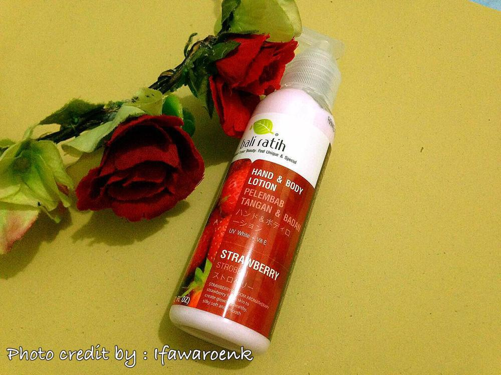 Bali Ratih Body Lotion Strawberry