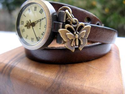 Ragam Motif dan Warna Menarik Wrap Watch