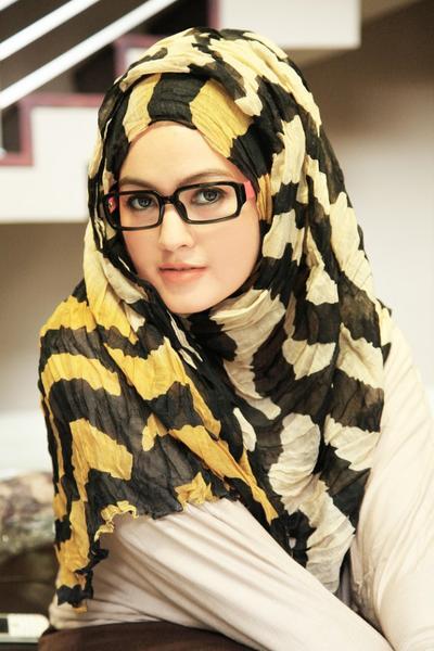 Tips Mencegah Rambut Rontok untuk Pengguna Hijab