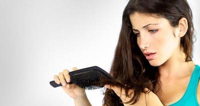 Tips Mengatasi Rambut Rontok Pasca Melahirkan