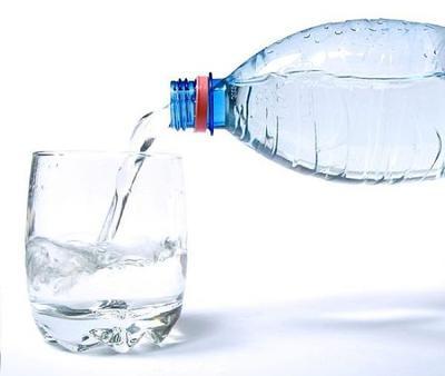 6. Meminum Banyak Air Putih