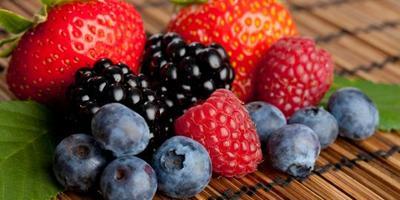 8. Buah Berry