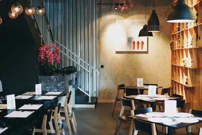 Avec Moi Restaurant & Bar