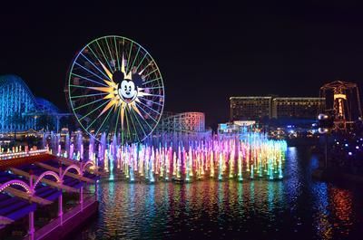 2. Disneyland Resort - Anaheim, California, Amerika Serikat