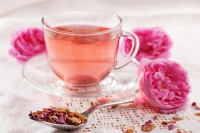 4. Teh Bunga Mawar: Mencegah Sembelit