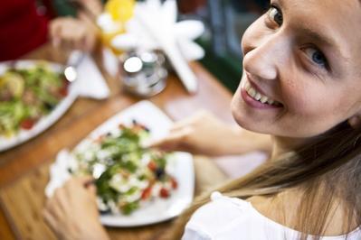 3. Nikmati waktu makanmu