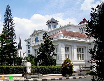 4. Bandung