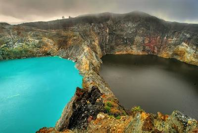 3. Danau Kelimutu