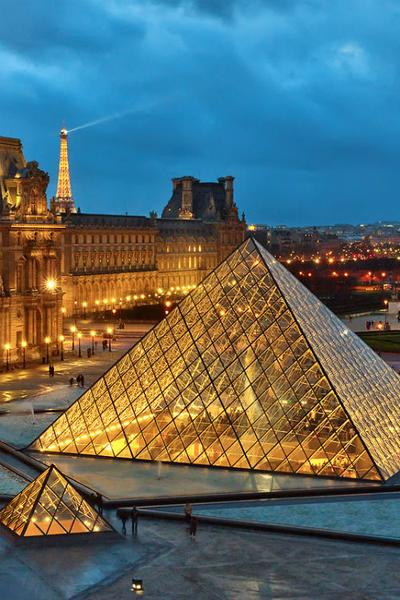 7. Paris, Perancis