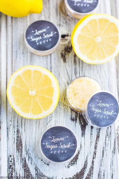 DIY: Varian Resep Perawatan Bibir Menggunakan Lemon
