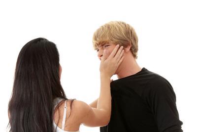 Tindakan Ini Dapat Menyakiti Pria Di Saat Kencan