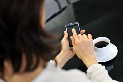 5. Terlalu Sering Menggunakan Smartphone