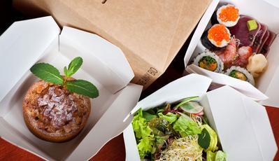 6. Bungkus Separuh Makananmu
