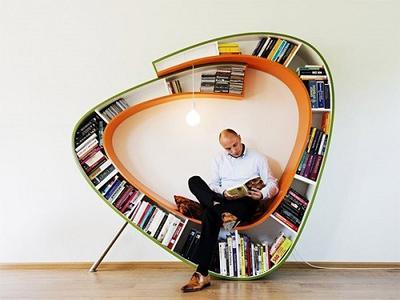 9. Rak Buku Bookworm