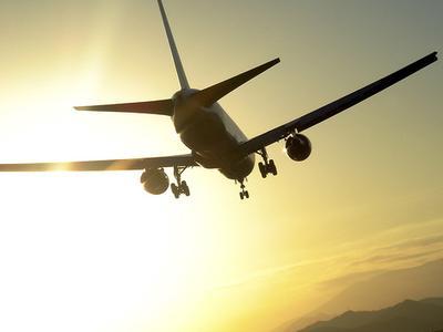 Tips Bepergian Nyaman untuk Penerbangan Jarak Jauh