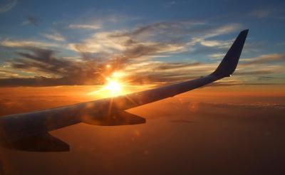 3. Pilih Penerbangan Paling Pagi
