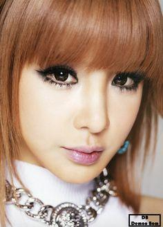 Tiru Gaya Make Up ala Park Bom 2NE1