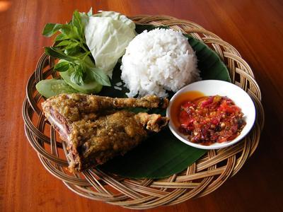 5 Restoran Untuk Penggemar Bebek di Surabaya