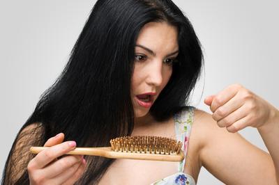 Atasi Rambut Rontok Dengan Castor Oil
