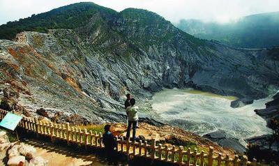 10 Tempat Wisata Paling Populer di Jawa Barat