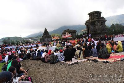 7. Mendalami Budaya Bersama Penduduk Lokal