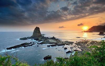8. Tanjung Papuma - Jember