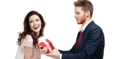 5 Jenis Hadiah yang Tidak Disukai Wanita