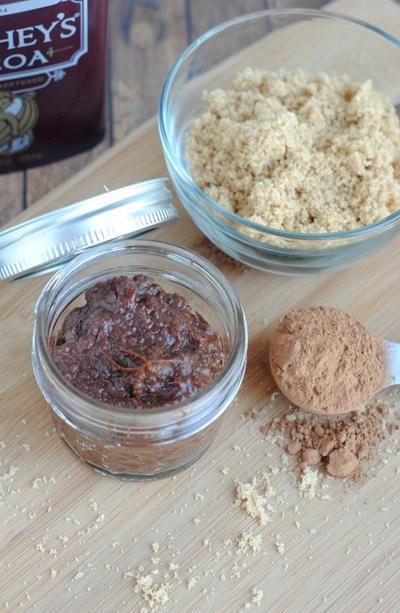 DIY Scrub Badan Berbahan Dasar Gula untuk Kulit Lembut dan Mulus