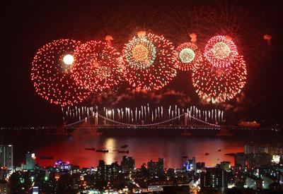Menyaksikan Busan Fireworks Festival