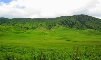 Padang Rumput Savana dan Bukit Teletubbies