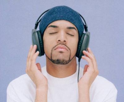 5 Penyanyi Pria Tampan versi Matome.id (Hollywood)