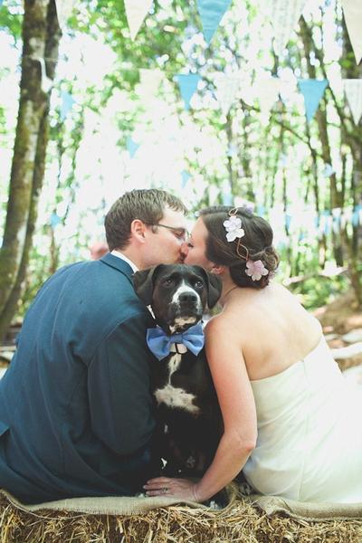 3. Pernikahan di pedesaan yang romantis