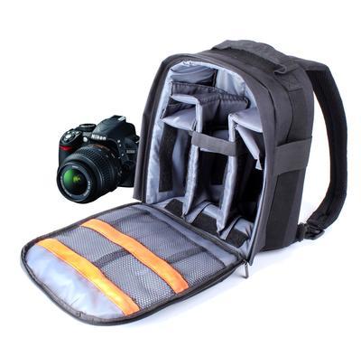 3. Perhatikan Cara Membawa Kamera