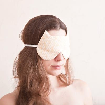 Sleep In Style! Sleeping Mask Imut untuk Bepergian