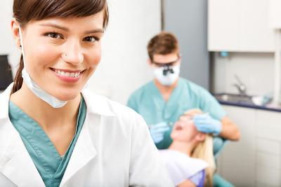 5. Kunjungi Dokter Gigi secara Teratur