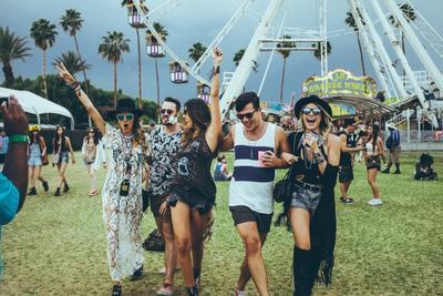 Intip Style Selebriti Dunia Pada Coachella 2015