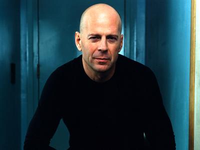 Hot Bald Guy! Seleb Pria Berikut Justru Terlihat Keren dengan Kepala Botak (Part 2)