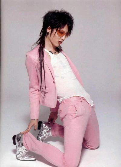Fact #4 : Pria Macho Penyuka Warna Pink