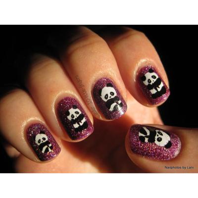 10. Memadukan kreasi panda dengan glitter? Siapa takut!